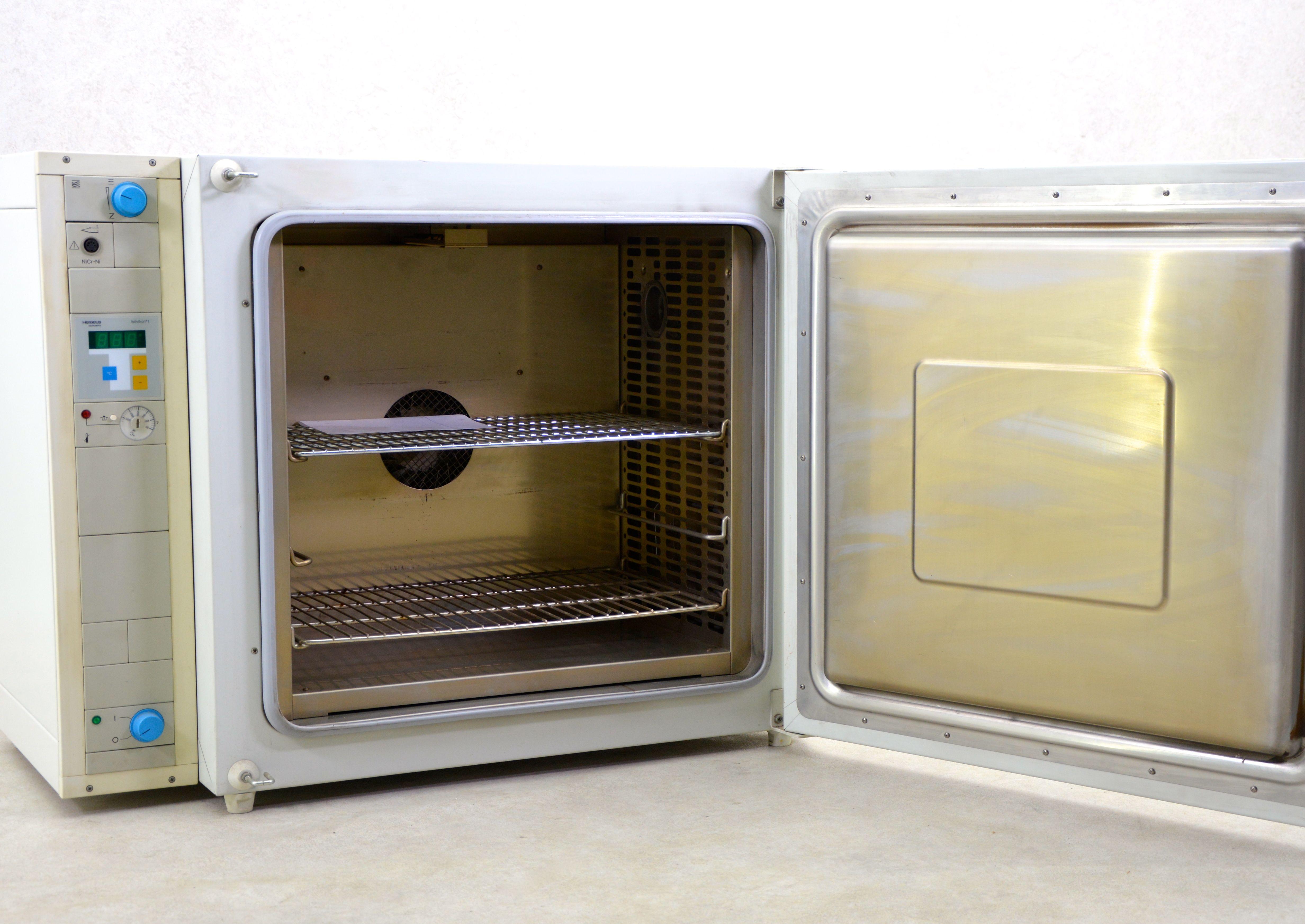 Heraeus UT6120 Oven - Gemini BV