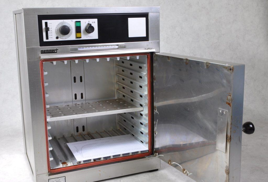 Memmert UL30 oven - Gemini BV